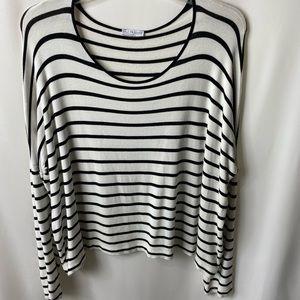 Zara black and white XL top